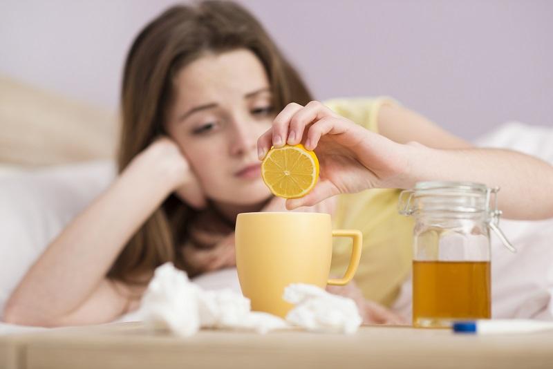 «Пей теплую воду с лимоном натощак, но! Не допускай этой губительной ошибки, ее делают многие пьющие…»